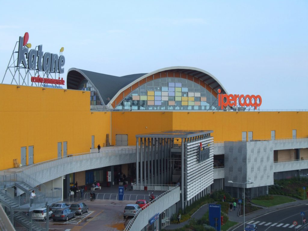 A new shopping center opens in Catania