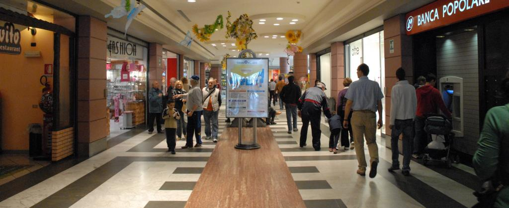 "Acquisition of a business line of the ""Gran Rondò"" shopping mall in Crema"